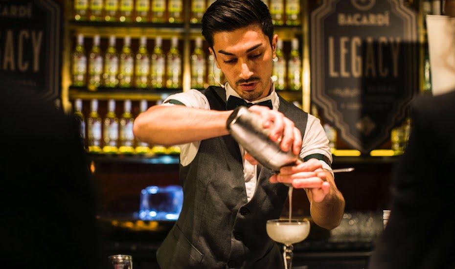 Bartender - Bạn cần phân biệt đúng giữa 2 khái niệm barista và bartender để tránh nhầm lẫn